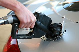 Gas prices expected to dip in Ottawa